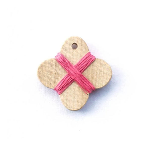 Cohana wooden thread winder (Pink)